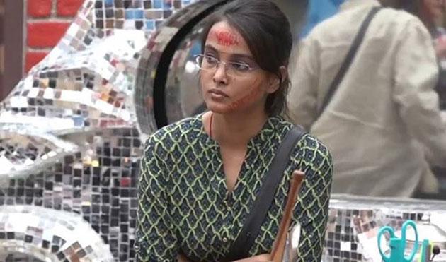 Salman Khan Bigg Boss 11 Shivani Durga eliminationa Jyoti Kumari Hina Khan Vikas Gupta Sapna Chaudhary