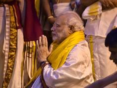 PM Narendra Modi offers prayers at Lord Venkateshwara temple in Tirupati