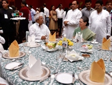 Indian politicians gain mileage from Iftar parties?