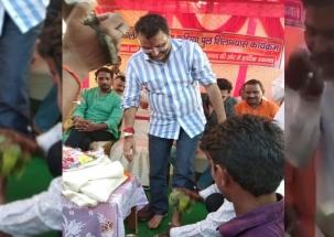 Local man washes BJP MP Nishikant Dubey's feet, drinks same water
